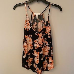Ambiance summer black floral tank M